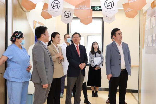 慧清雅妍医学整形李鸿强院长为促中韩两国医美行业交流与合作做出贡献