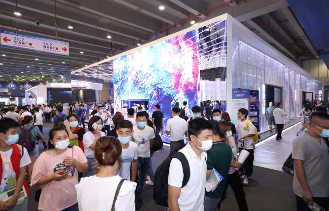 建博会盘点:2021必看展览!超10万人驻足打卡皇派展厅